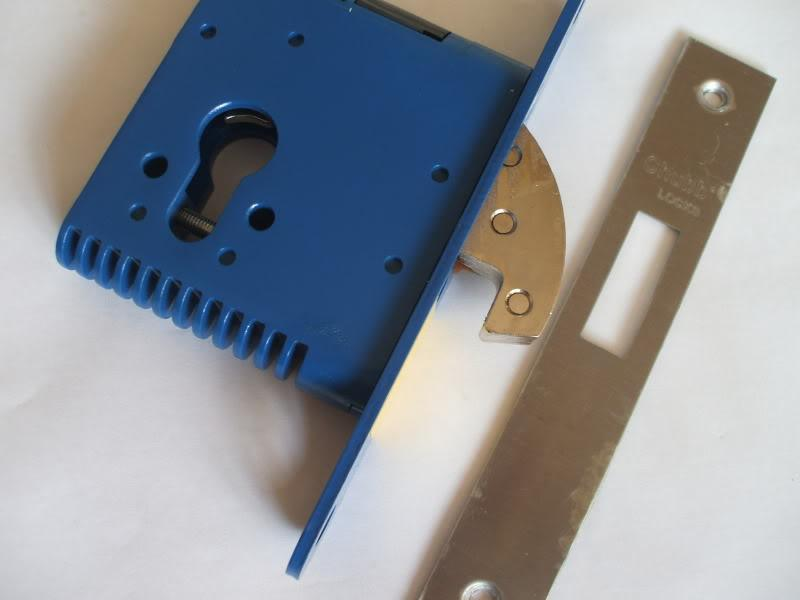 Chubb mortise lock for wooden doors