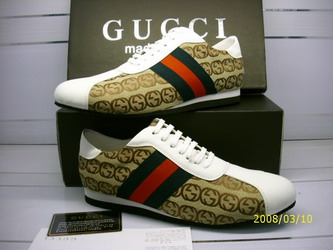 Women & Men  Gucci Sneakers
