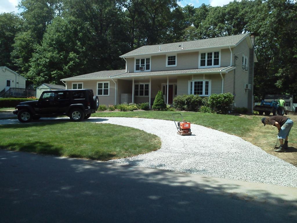 Phil's Excavating gravel driveway