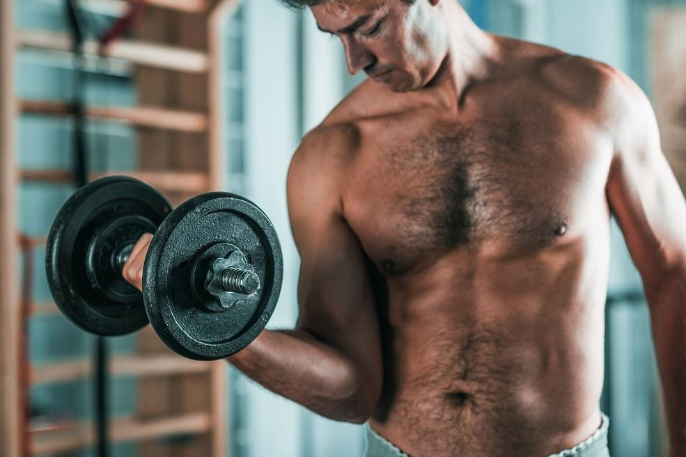 Testosteronmangel durch Kraftsport besiegen